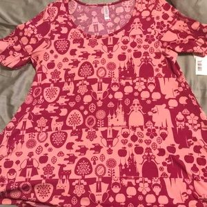 Lularoe L Snow White Perfect T in Pink